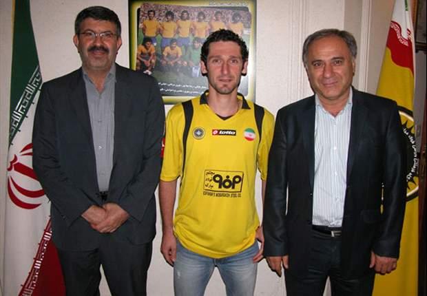 Official: Iran international Mohammad Reza Khalatbari joins Sepahan
