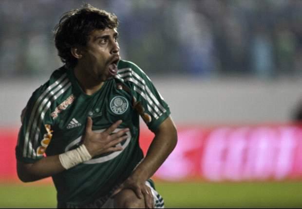 Valdívia não se reapresenta ao Palmeiras e é multado