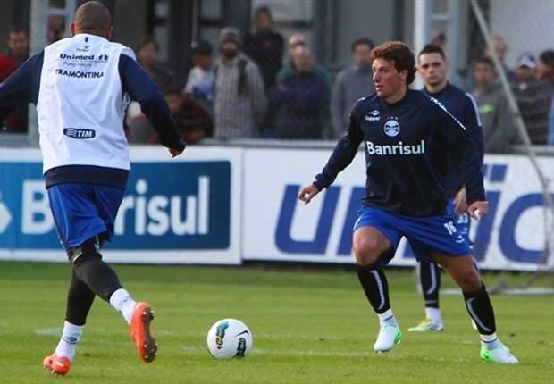 Luxemburgo delighted with Elano's impact at Gremio