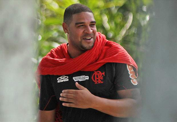 Official: Flamengo signs Adriano on a free transfer