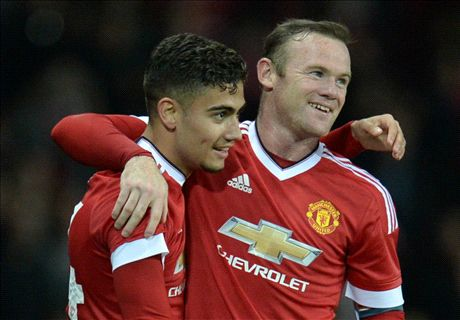 Three and easy as United beat Ipswich