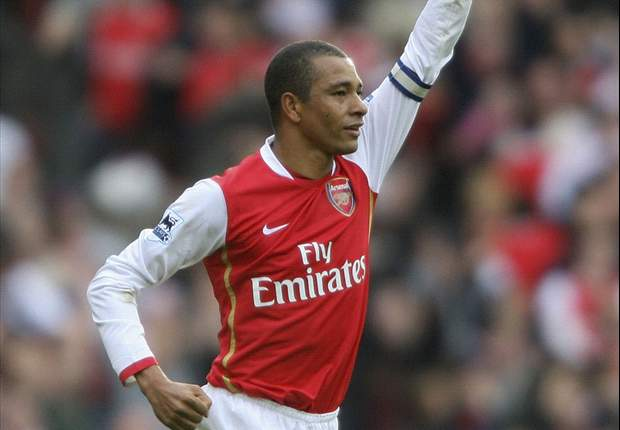 Gilberto backs Wenger to stay at Arsenal