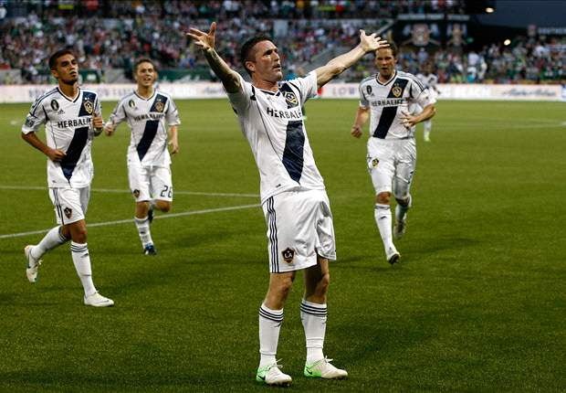 Robbie Keane scores two to send LA Galaxy into Play Offs