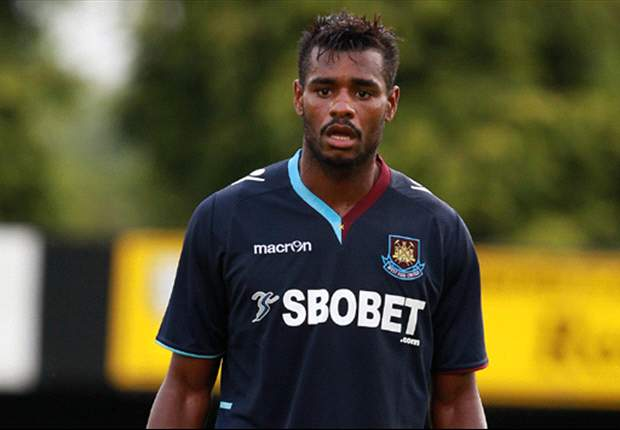 Vaz Te ready to quit West Ham after club reject his £26,000-a-week pay demands