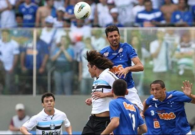 Jogadores do Cruzeiro também criticam arbitragem na derrota para o Grêmio