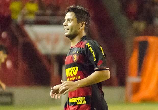 Botafogo contrata o atacante Henrique