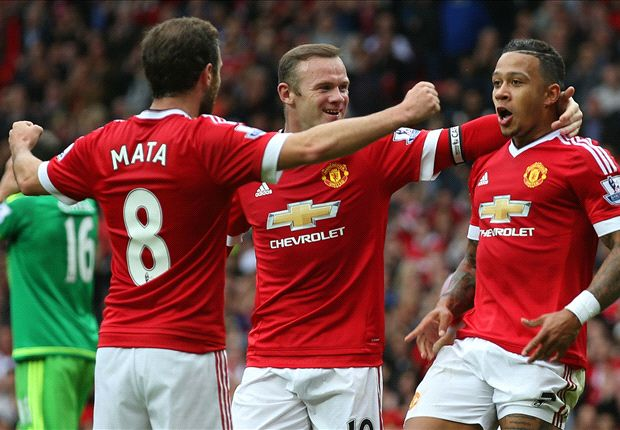 Manchester United 3-0 Sunderland: Rooney on target as Van Gaal's men go top