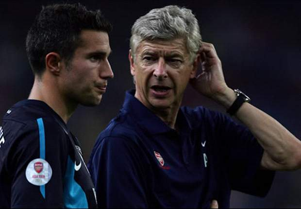 Wenger: Arsenal have received no offers for Van Persie