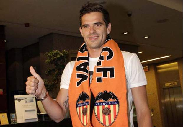 Fernando Gago llega a Vélez