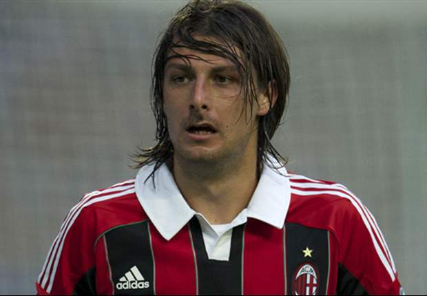 Francesco Acerbi Ingin Masuk Starting XI AC Milan