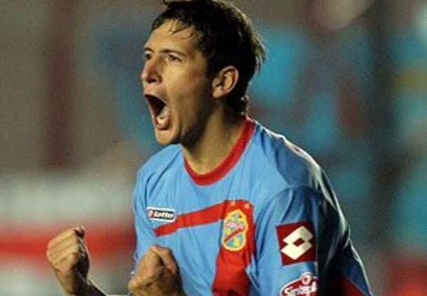 Boca Juniors ficha a Guillermo Burdisso y River Plate, a Carlos Luna