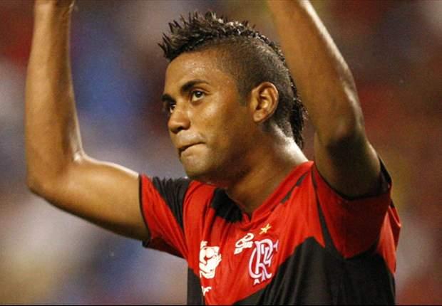 Após duas semanas, Muralha volta a treinar no Flamengo