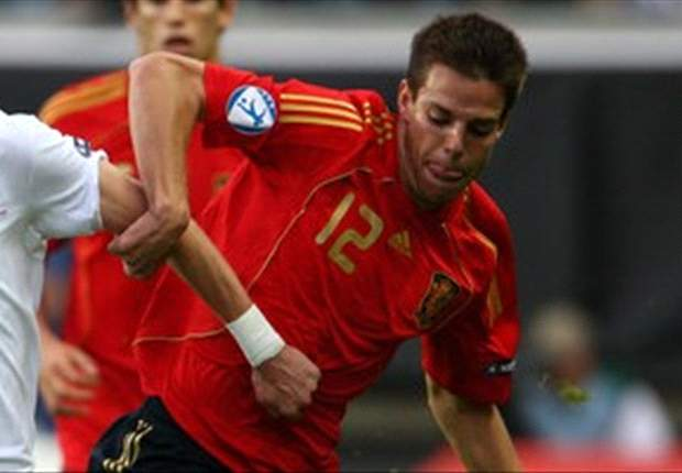 Chelsea makes 'serious approach' for Azpilicueta