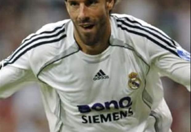 Tottenham's Bid For Real Madrid's Ruud van Nistelrooy Hits Snag