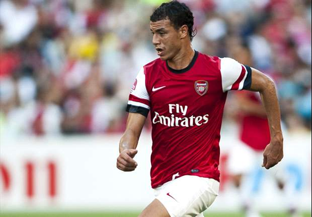 Chamakh admits he could leave Arsenal: I thought I'd play more after Van Persie left