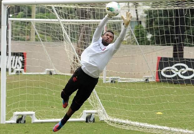 Felipe supera dengue e problemas no grupo e pode voltar ao Flamengo