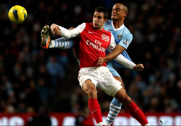 Kompany: Manchester United hit the jackpot with Van Persie