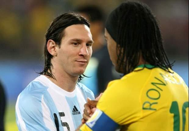 Ronaldinho visitó a Messi tras el Mundial