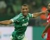 Vitor Hugo comemora o primeiro gol do Verdão no duelo