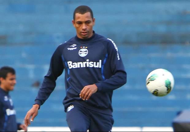 Com edema na coxa direita, Gilberto Silva desfalca o Grêmio contra o Cruzeiro
