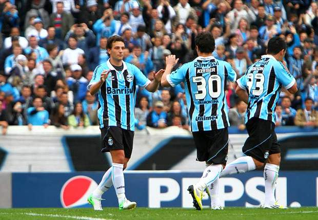 Grêmio chega ao Equador e faz treino de reconhecimento nesta terça