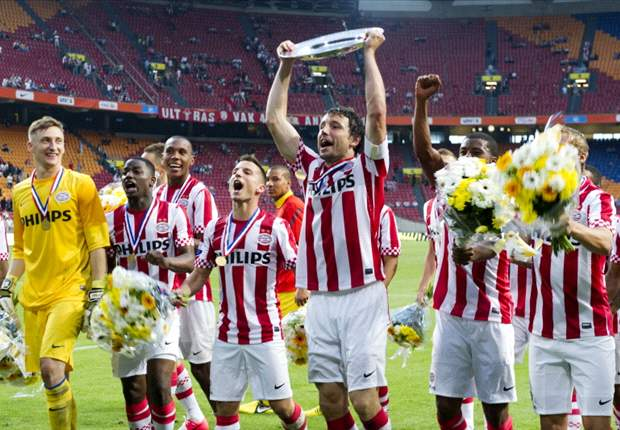 Van Bommel gives PSV an 'invincible attitude', says Advocaat