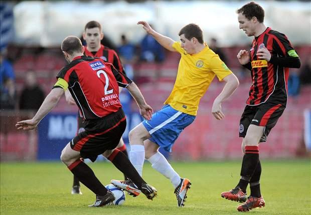 Scunthorpe United set to sign Irish duo Mark Hughes and Keegan Parker