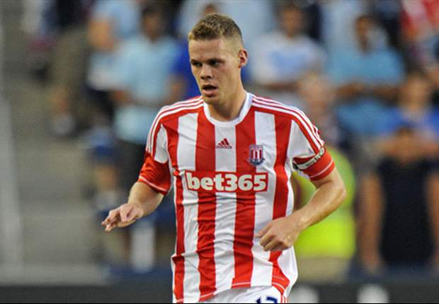 Shawcross signs five-and-a-half year Stoke contract