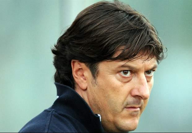 """Il Pescara cade contro il Torino, Sebastiani bacchetta la squadra e attacca l'arbitro: """"Così non va, sbagliato l'atteggiamento. Mazzoleni e gli assistenti hanno creato un clima di terrore, vergognosa l'espulsione di Weiss"""""""