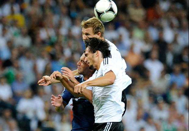 Hummels sustains neck injury