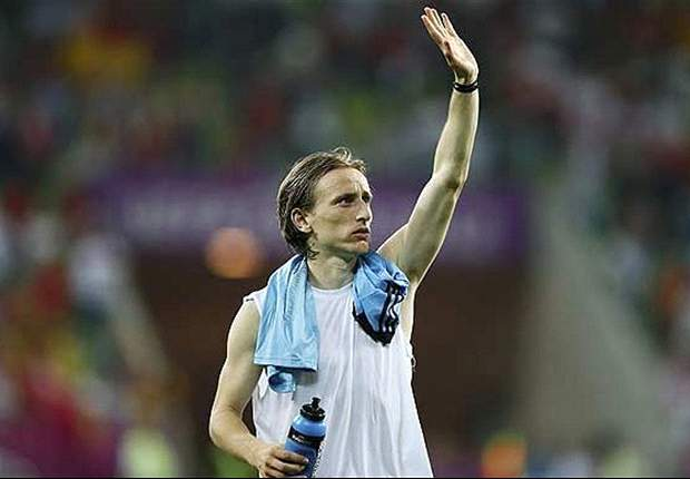 Real Madrid & Tottenham finally agree £33m Modric deal