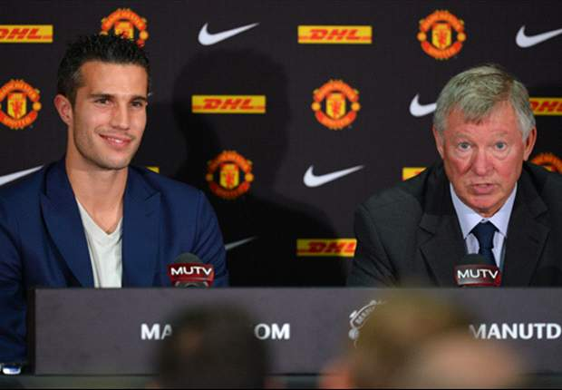 Word on the Tweet: Van Persie's Manchester United move, Barton's shoe blog and Rio Ferdinand picks his nose