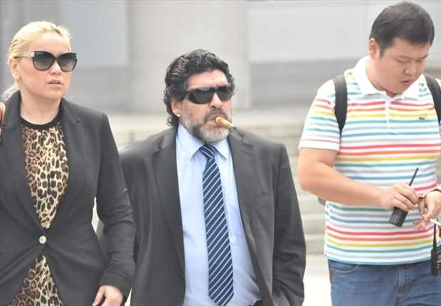 Diego Maradona arribó a Italia