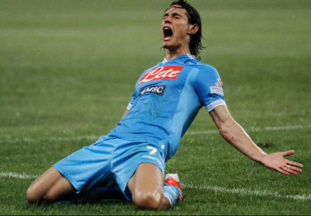 Cavani signs new Napoli deal