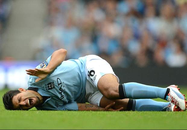 Aguero eases Manchester City's concerns over his knee injury