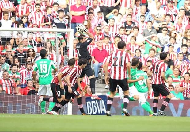 El Real Betis echa gasolina a la llama del Athletic de Bilbao