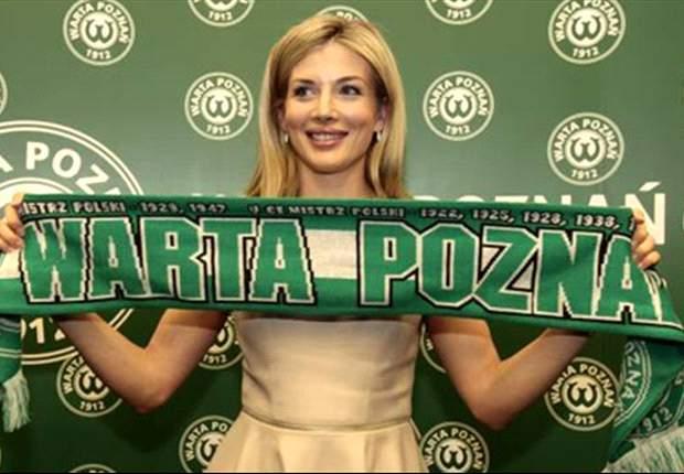 Una ex conejita de Playboy es la actual presidenta del Warta Poznan de Polonia y ayuda al renacer del club