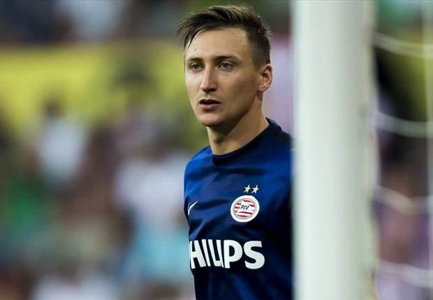Tyton, portero del PSV, a punto de recalar en el Sevilla