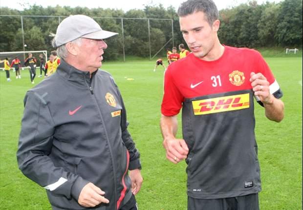 Tutto pronto per l'esordio di Van Persie con lo United, ma occhio all'Everton: lo sgambetto a Ferguson è invitante...