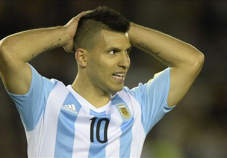 Aguero in tears after hamstring injury