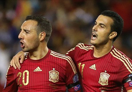 Cazorla hits two in Spain rout