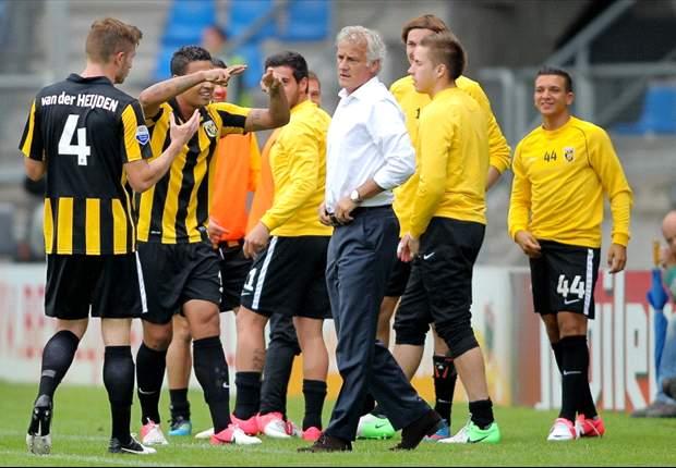 Reis schiet Vitesse langs Willem II