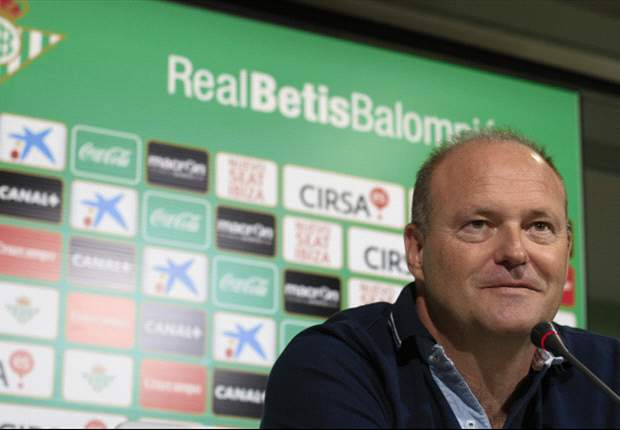 Barcelona are not a one man team, insists Betis coach