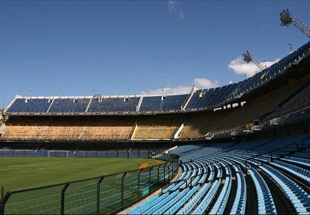 """Bajo la consigna """"La Bombonera no se toca"""" los hinchas repudieron un proyecto para un nuevo estadio."""