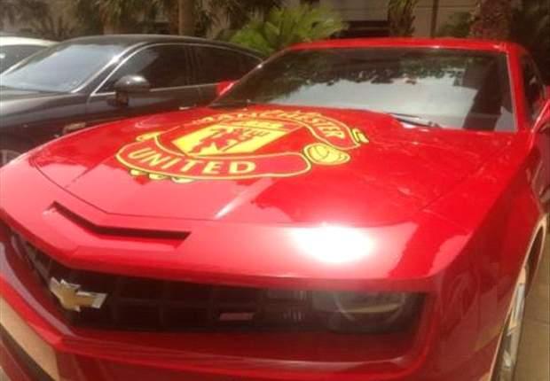 """Alex Ferguson prohíbe """"supercoches"""" a los más jóvenes del United"""