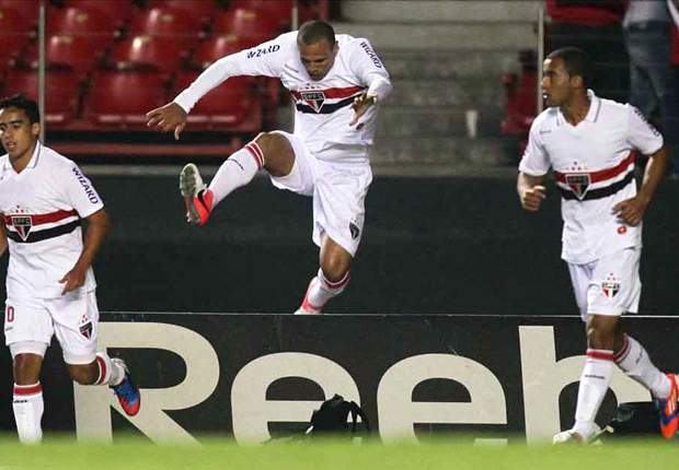 Brasileiro Round 29: Luis Fabiano strike puts Sao Paulo within touching distance of Copa Libertadores qualification