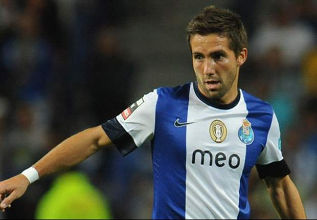 Tottenham agrees 27 million euro Moutinho fee with Porto