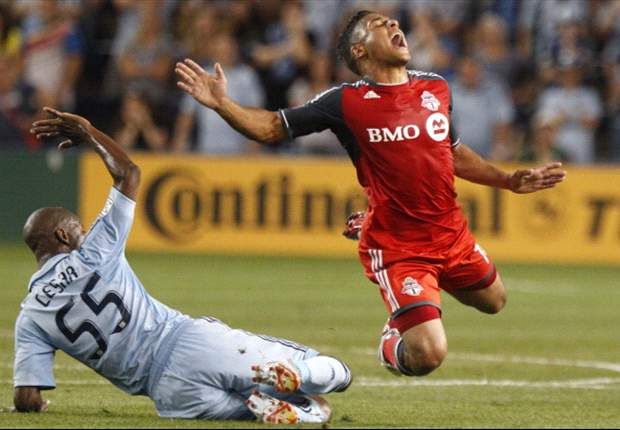 Sporting Kansas City 2-1 Toronto FC: Hall blunder gifts comeback win