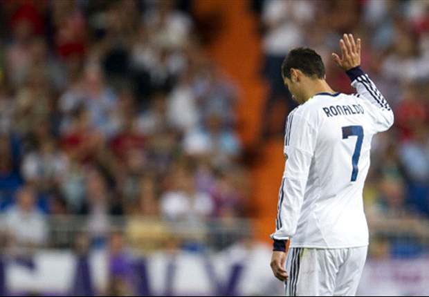 Ronaldo has not explained his unhappiness to his Real Madrid team-mates, claims Higuain