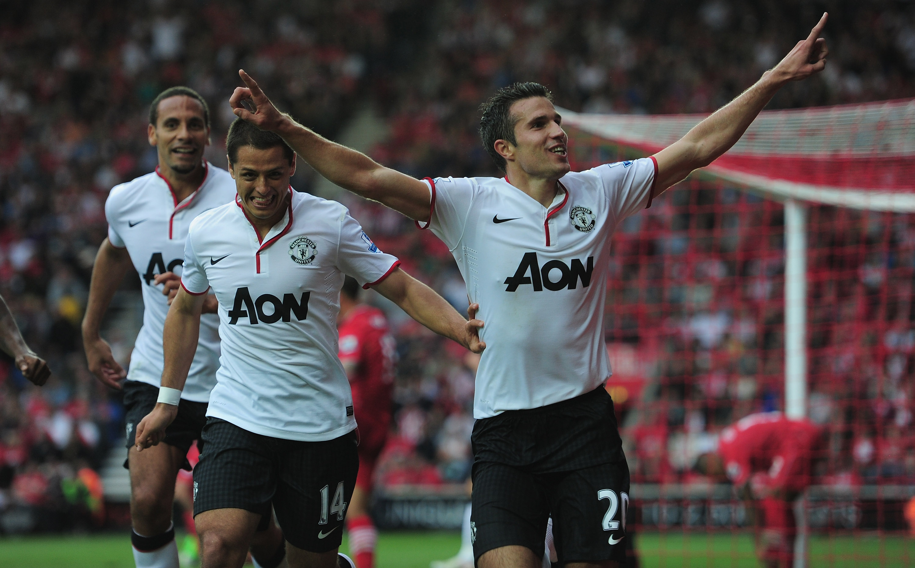 Mexicans Abroad Recap: Chicharito debuts in Manchester United's win